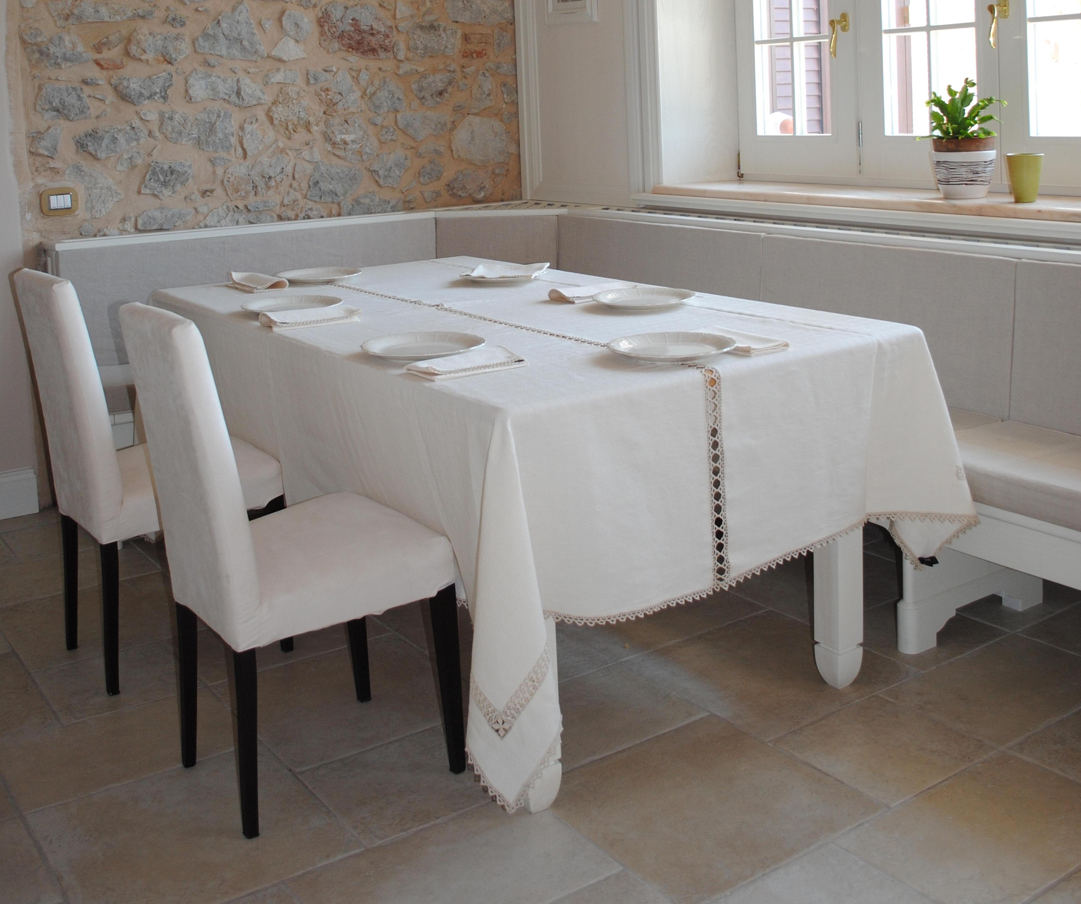 La tela di penelope modello irene - Tovaglie da tavola eleganti moderne ...